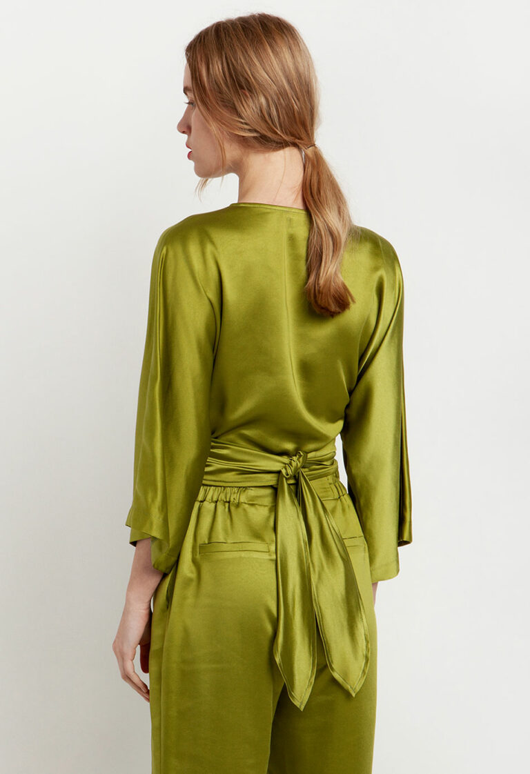 Desiree Cruise Top With Wide Sleeves
