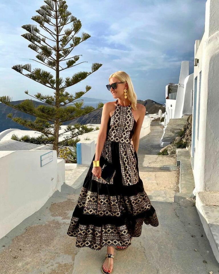 Lace Aphrodite Embroidered Black Dress